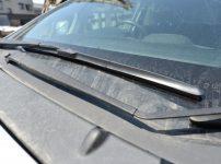 黄砂で汚れた車